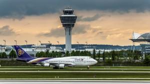 Boeing B747-4D7 (HS-TGO) der Thai Airway am Flughafen München