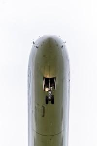 Dicke Zigarre Überflug einer Embraer EMB-190/195 (---) am Flughafen München