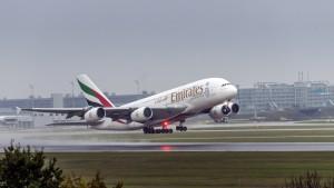 Airbus A380-861 (A6-EEI) der Emirates am Flughafen München
