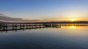 """Sonnenuntergangam Starnberger See aufgenommen am """"Percha Beach"""""""