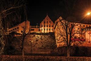 Schlossberg Dachau bei Nacht