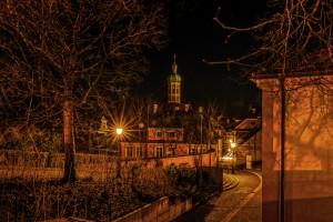 Schlossberg Dachau bei Nacht - Blick richtung Marktplatz
